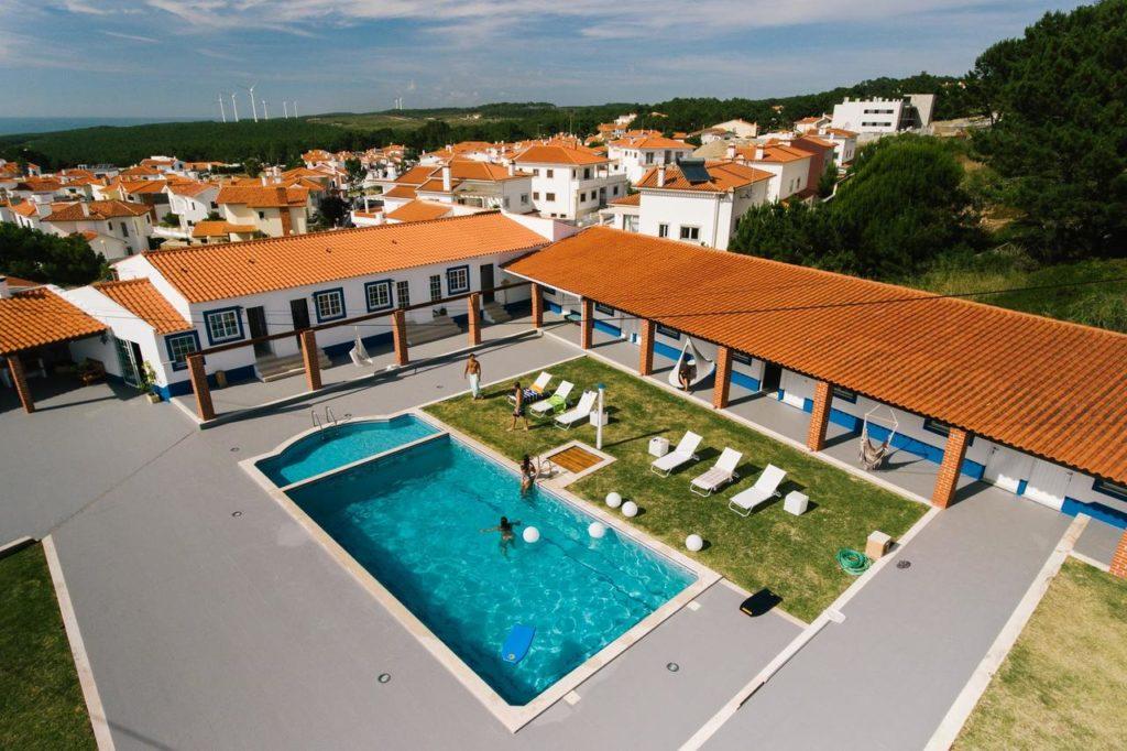 hotel surfvilla zullu nazare